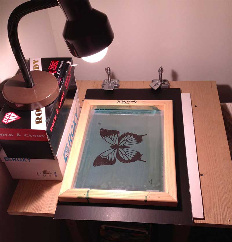 A very simple Screen Printing Exposure Unit with a normal bulb