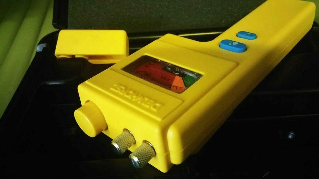 Special moisture meter for screen printing